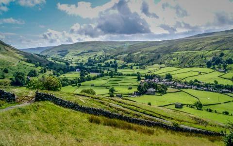 Vacanze relax nella campagna inglese, tra bucolici paesaggi e antiche tradizioni